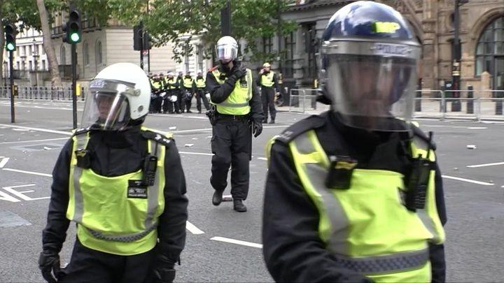 Общество: Британия с Александром Хабаровым. Всплеск преступлений с холодным оружием