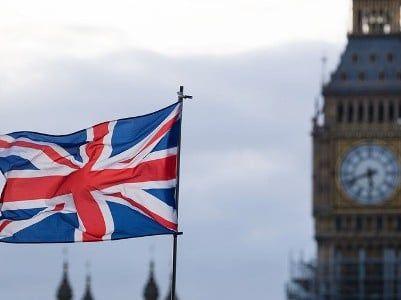 Общество: МИД Великобритании не рекомендует британцам приближаться к границе Армении и Азербайджана ближе пяти км