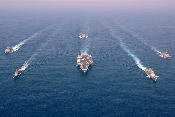 Общество: Китай поступит как Россия: эксперт о планах ВМС Британии в Южно-Китайском море