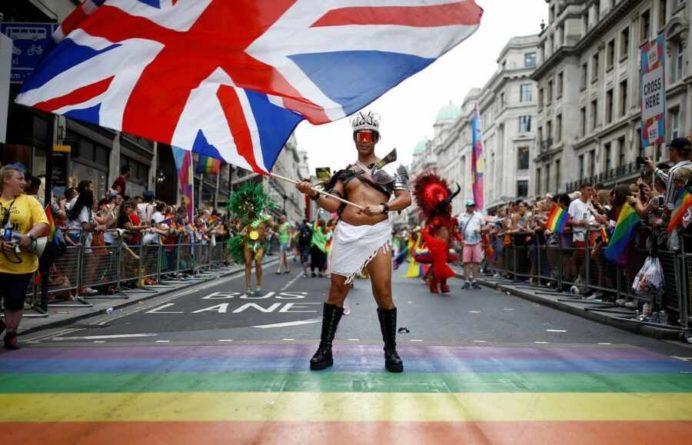 Общество: В Британии решили лишать денег руководство банков за недостаток ЛГБТ-сотрудников в коллективе