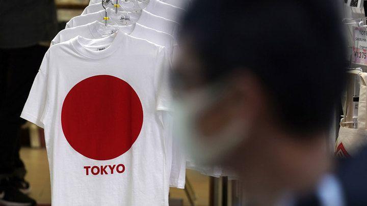 Общество: Британия ужесточает правила въезда, в Японии прививают студентов