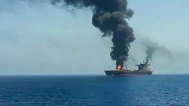 Общество: Британия и США обвинили Иран в атаке танкера и пообещали ответ