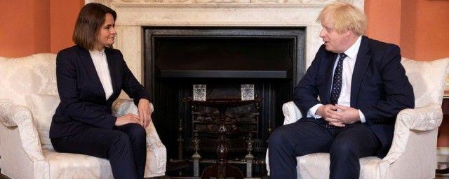 Общество: Премьер-министр Великобритании Джонсон провел встречу с Тихановской в Лондоне