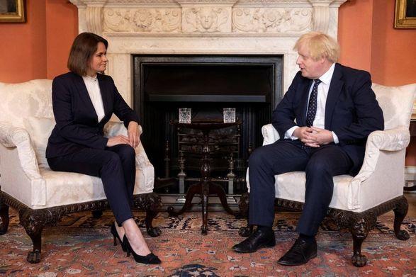 Общество: Тихановская провела встречу с премьером Британии Джонсоном. Говорили о гибели Шишова в Украине