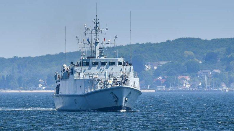 Общество: Великобритания передаст Украине два списанных противоминных корабля