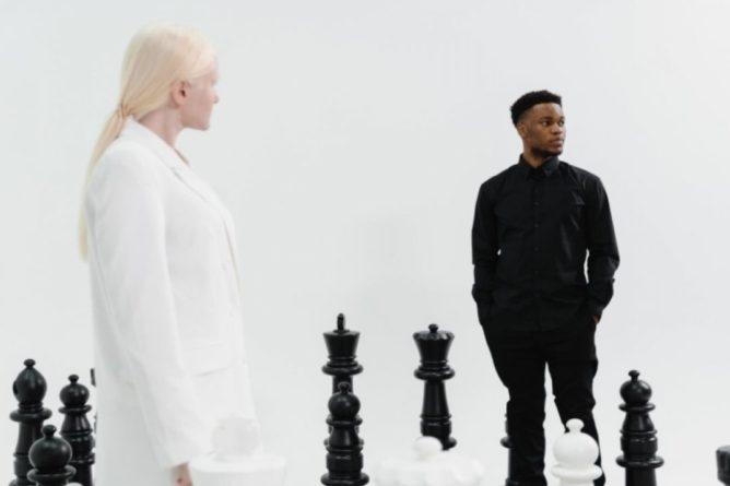 Общество: США и Англия предложили лишить преимущества белые фигуры в шахматах