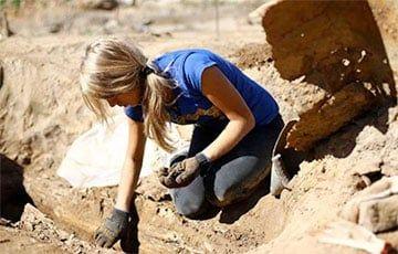 Общество: В Англии обнаружили драгоценный артефакт из золота и граната возрастом 1400 лет