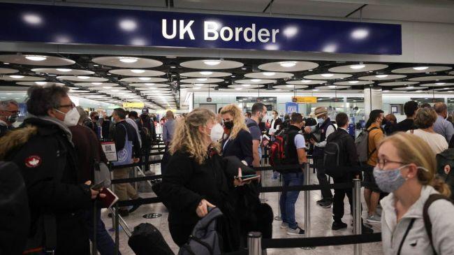 Общество: Великобритания исключит Индию и три арабские страны из красного списка