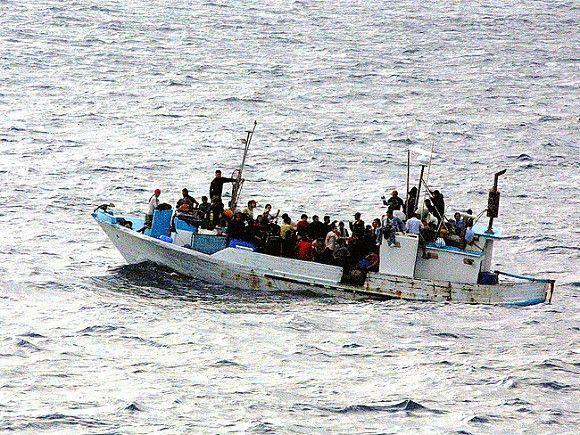 Общество: Британию «атакуют» нелегалы: зафиксирован суточный рекорд по числу прибывших на лодках