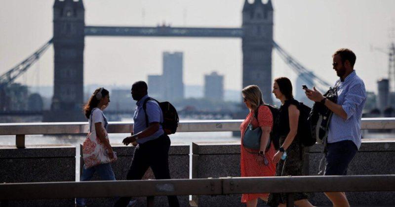 Общество: В Англию можно будет въехать из Латвии без карантина