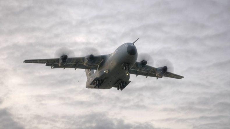Общество: Британия планирует закупить системы сброса боевых машин с самолетов Airbus A400M