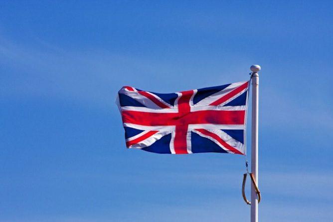 Общество: Великобритания подняла истребители для перехвата самолетов РФ: подробности
