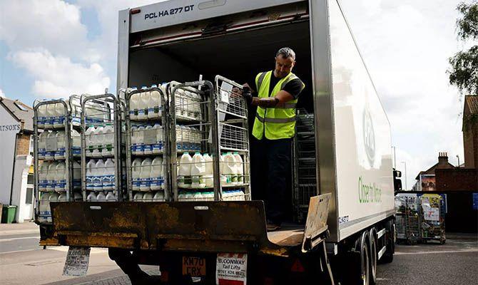 Общество: В Британии некому развозить продукты – будут привлекать военных