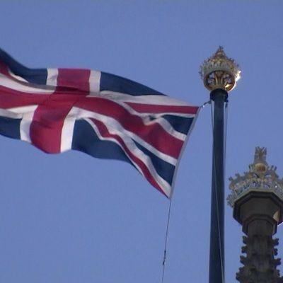 Общество: Власти Британии обратятся за помощью к армии из-за нехватки еды в магазинах