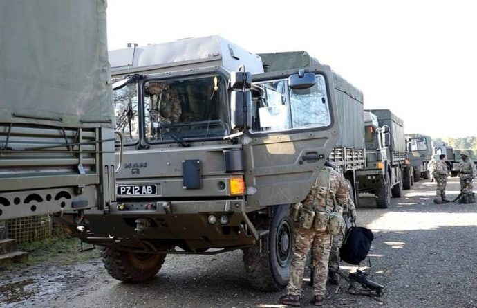 Общество: Острый дефицит товаров в магазинах: Великобритания задействует армию