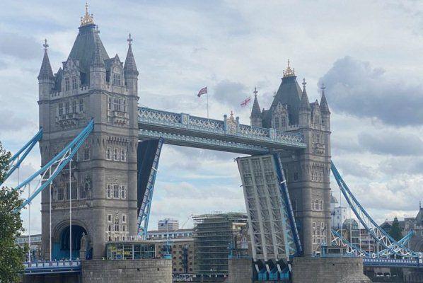 Общество: Очевидцы сообщили о поломке Тауэрского моста в Лондоне