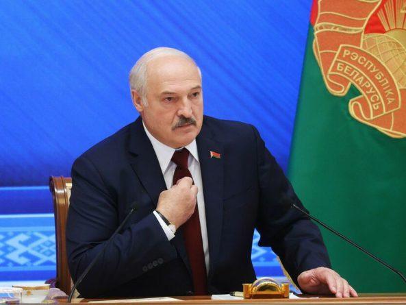 """Общество: """"Да подавитесь вы этими санкциями"""". Лукашенко назвал Великобританию """"прихвостнями американскими"""""""