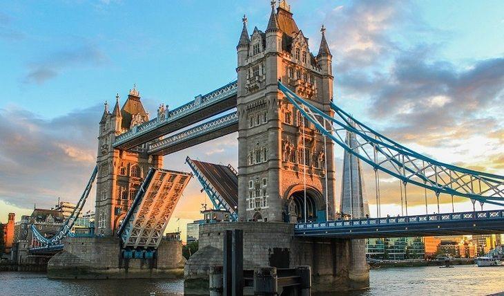 Общество: В Лондоне «сломался» Тауэрский мост