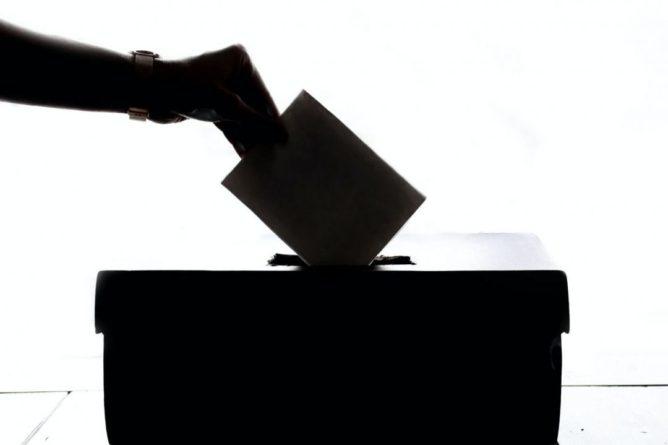 """Общество: Великобритания ввела против Белоруссии пакет санкций из-за """"сфальсифицированных выборов"""""""