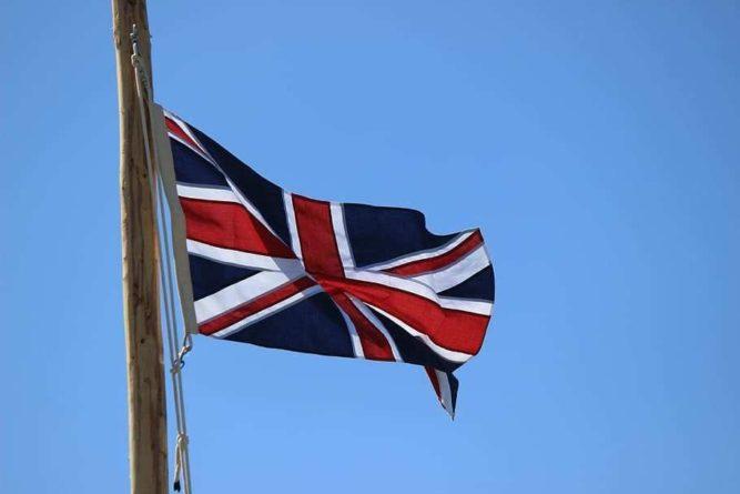 Общество: Великобритания хотела остаться в Афганистане после вывода войск США