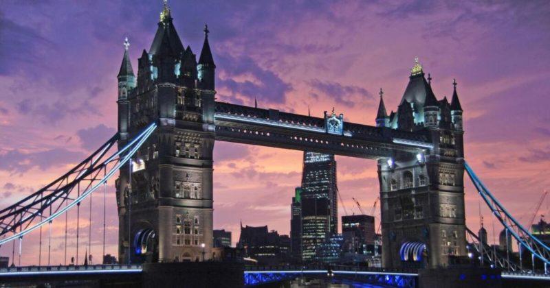 Общество: Тауэрский мост в Лондоне сломался - видео, фото