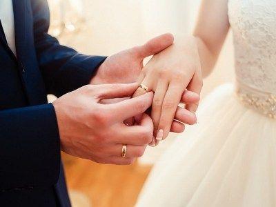 Общество: В Англии количество браков между парами противоположного пола упало до самого низкого уровня за всю историю