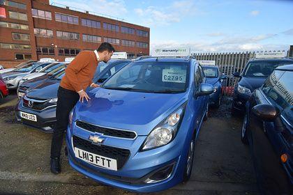 Общество: Британцы бросились скупать подержанные автомобили