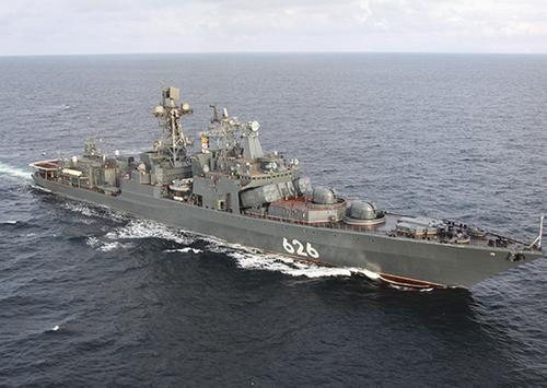Общество: Российские боевые корабли СФ прошли вдоль берегов Великобритании в южном направлении