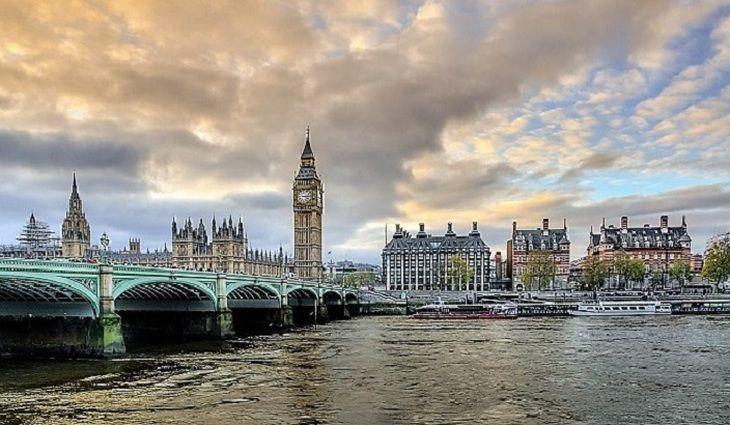 Общество: Лондон продолжил шпионские игры