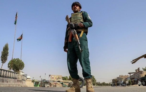 Общество: Британия эвакуирует своих граждан из Афганистана