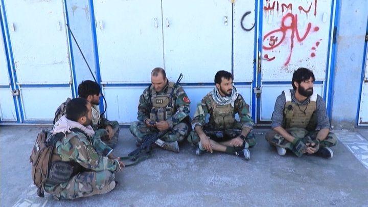 """Общество: Новости на """"России 24"""". США и Великобритания спешат вывезти из Афганистана своих граждан"""
