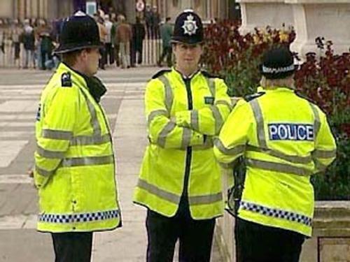 Общество: В Британии убили семью из 5-ти человек