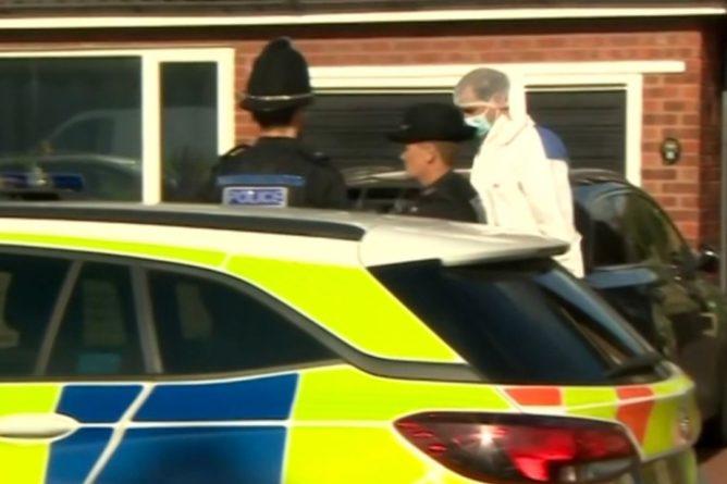 Общество: В Великобритании необъяснимо скончались трехлетний ребенок и полицейский