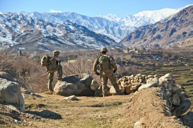 Общество: Британия начала перебрасывать в Кабул дополнительные войска