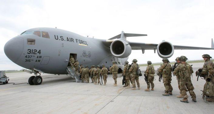 Общество: Обратно в Кабул: США и Великобритания перебрасывают в Афганистан дополнительные силы