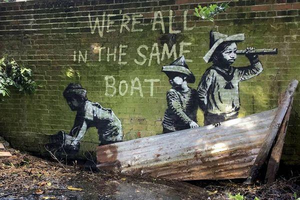 Общество: Бэнкси подтвердил авторство граффити про летний отпуск на курортах Англии