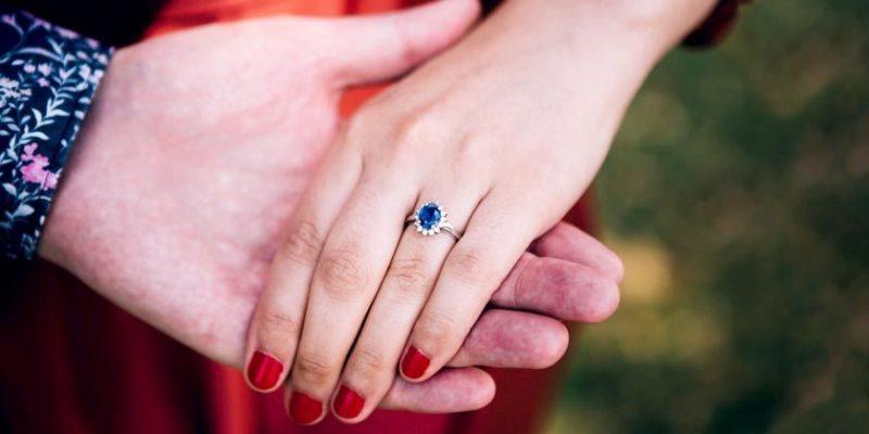 Общество: Редкое кольцо с сапфиром побило рекорд на аукционе в Бирмингеме