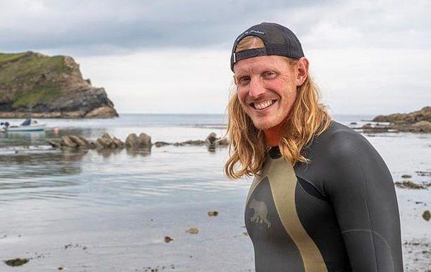 """Общество: В Британии пловец встретил 50 акул и """"наслаждался"""""""