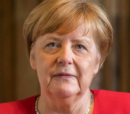 Общество: В Великобритании встревожены предстоящей встречей Меркель с Путиным