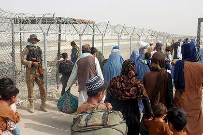 Общество: Британия решила эвакуировать афганцев по-новому