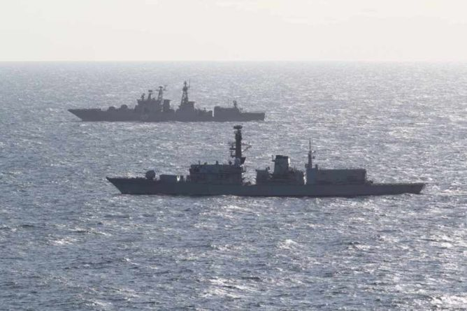 Общество: Британцы раскритиковали свой флот и сравнили его с российскими судами