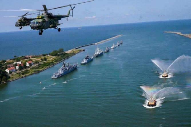 Общество: Баранец объяснил превосходство ВМФ РФ над кораблями США и Британии