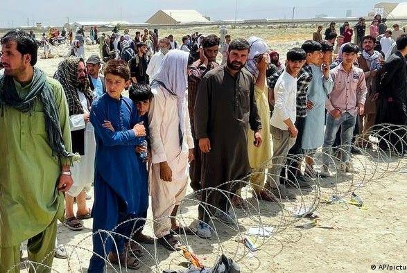 Общество: Великобритания примет около 20 тыс. беженцев из Афганистана