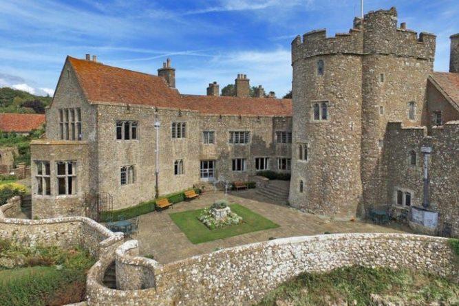 Общество: В Британии продают средневековый замок, где записывался Пол Маккартни: фото снаружи и внутри