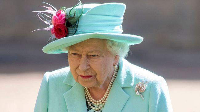Общество: В резиденции королевы Великобритании обнаружен случай заражения Covid-19