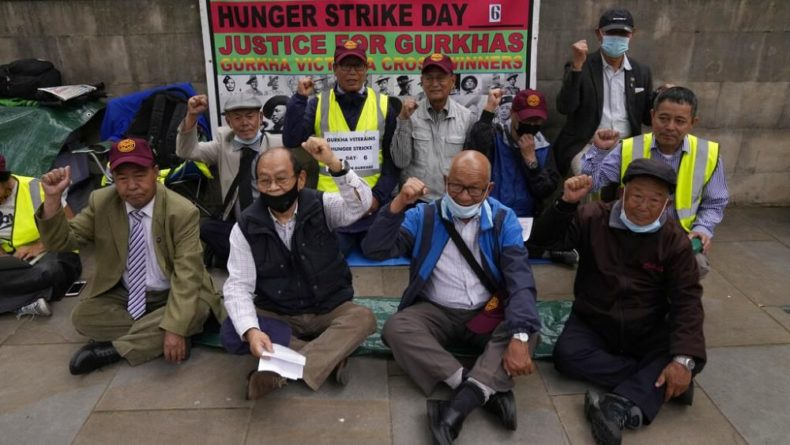 Общество: Британия: гуркхи требуют достойной пенсии