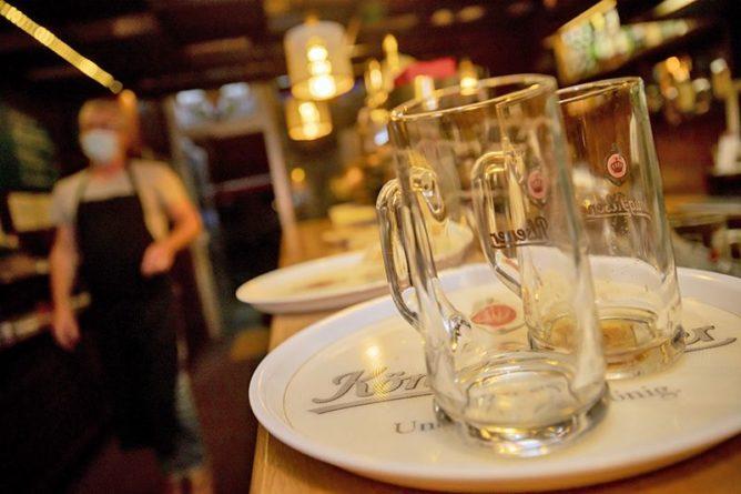 Общество: Британцы бьют тревогу - в их пабах заканчивается пиво