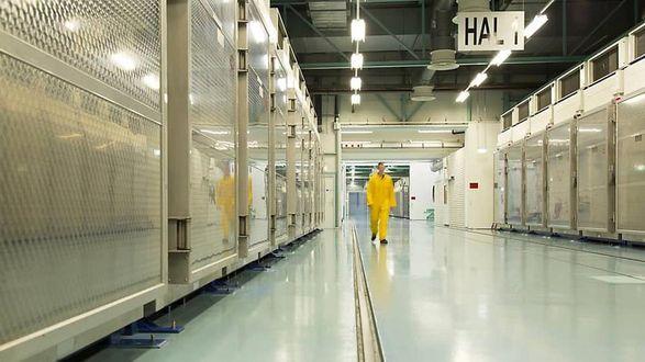 Общество: Франция, Германия и Великобритания выразили обеспокоенность обогащением урана в Иране