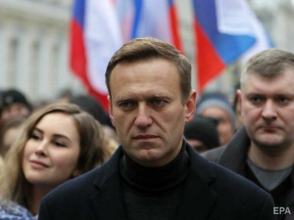 Общество: Великобритания ввела санкции против семи предполагаемых отравителей Навального