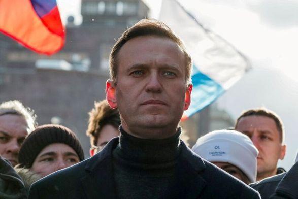 Общество: Великобритания ввела санкции против семи агентов российской разведки из-за отравления Навального